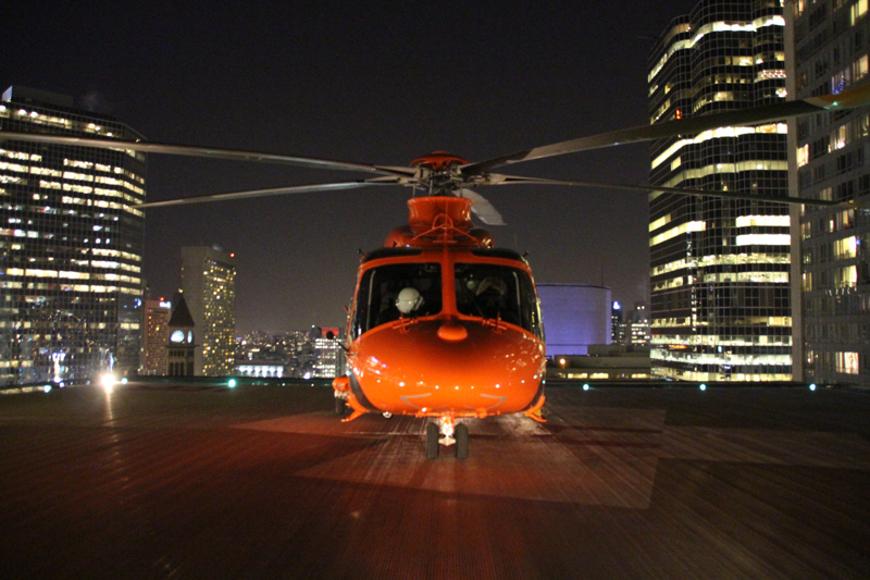 Ambulance-Heli-on-rooftop-pad